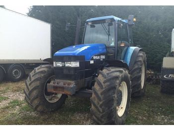 Radtraktor New Holland 8360