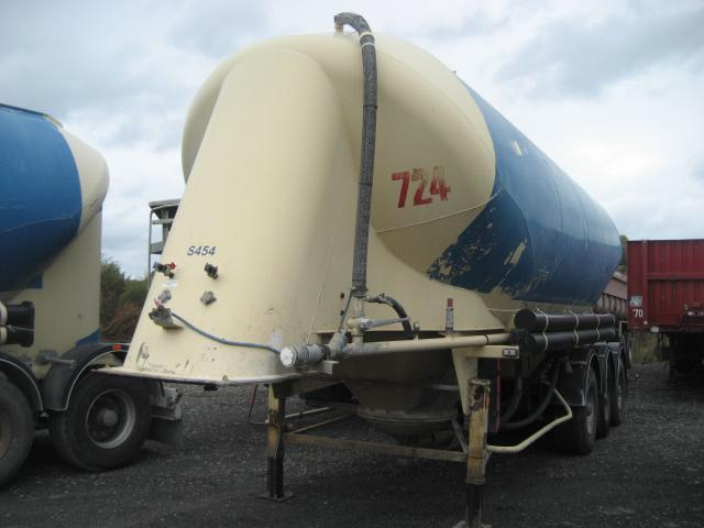 Tank Auflieger Spitzer