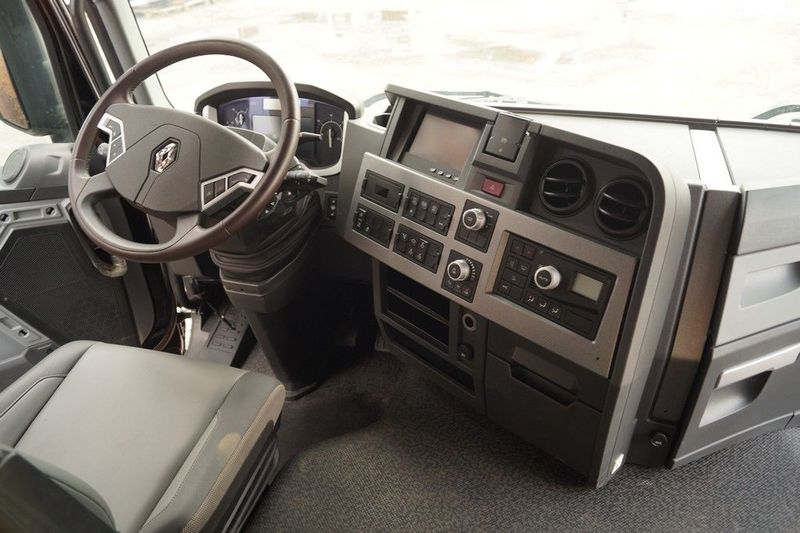 FULL INTERIOR / DASHBOARD UPHOLSTERY ETC cab RENAULT RANGE T EURO 6 ...