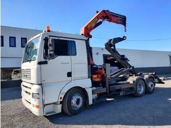 Abrollkipper MAN TGA 26.430 6x2 container Euro3