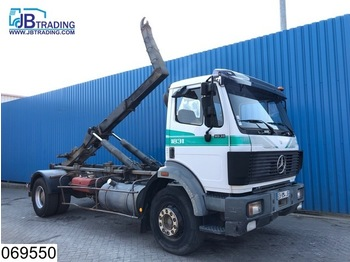 Abrollkipper Mercedes-Benz 1831 EPS 16, Steel suspension, Hook containeer system, Hub reduction