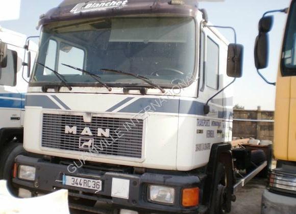 Containerwagen/ Wechselfahrgestell LKW MAN F2000