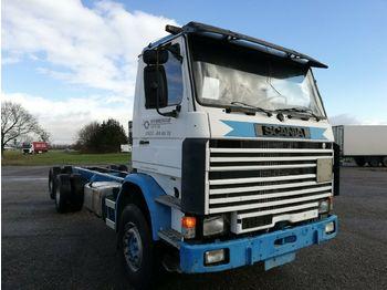Containerwagen/ Wechselfahrgestell LKW Scania 112  3-Achs Fahrgestell blattgefedert 6X2