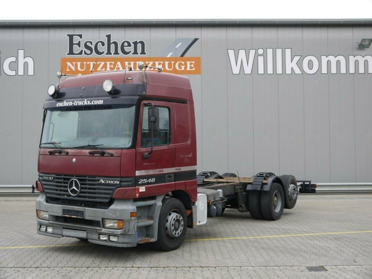 Fahrgestell LKW Mercedes-Benz 2548 L, Klima, Retarder, Bl/Lu