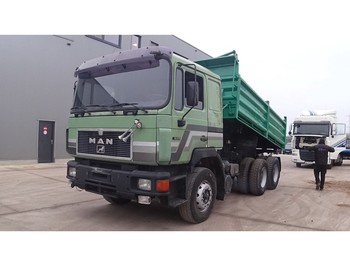MAN 26.372 (BIG AXLE / STEEL SUSPENSION / 6 CYLINDER ENGINE WITH MANUAL PUMP) - Kipper