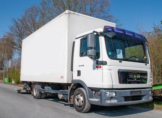 Koffer LKW MAN TGL 8.180 4x2 BL Koffer mit Ladegerät 1500kg