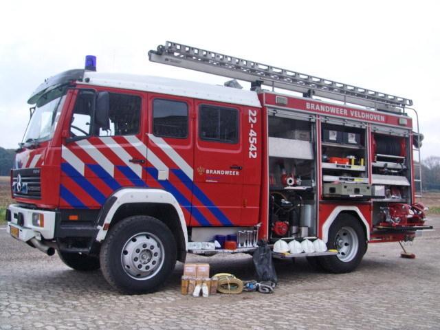 mercedes-benz 1124 af feuerwehr (fully equiped) lkw gebraucht kaufen