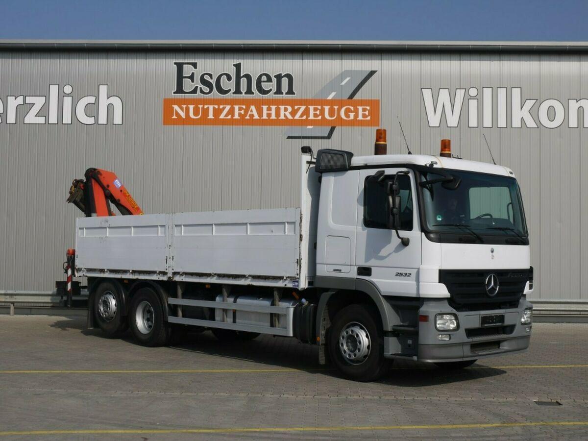 Pritsche LKW Mercedes-Benz 2532 L Pritsche / Kran