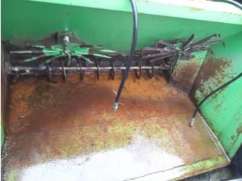 Fütterungstechnik  VDW Zaagselstrooier