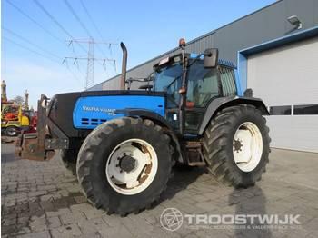 Radtraktor Valtra-Valmet 8150