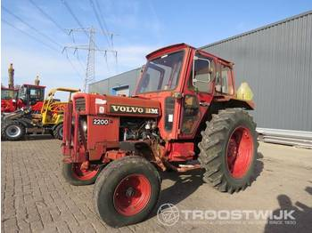 Radtraktor Volvo BM 2200