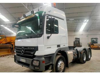 Sattelzugmaschine Mercedes-Benz 3355
