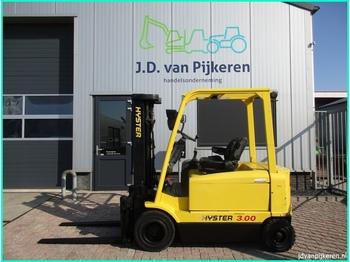 4-Rad-Frontstapler HYSTER J3.00XM triplex 4.6m sideshift accu 75% 5758uur!
