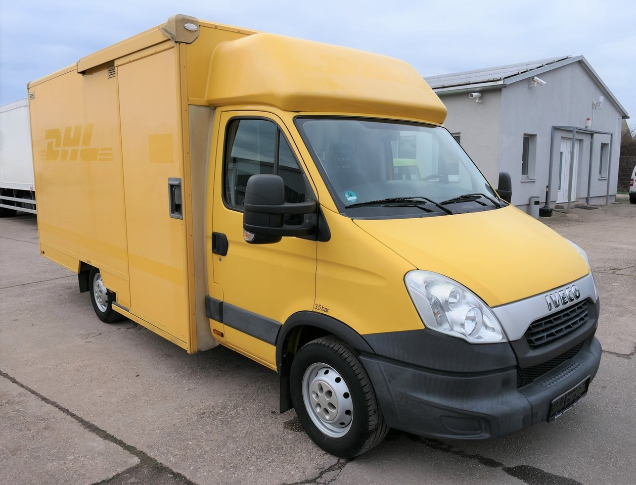 Koffer Transporter IVECO Daily 35 S11 AUTOMATIK