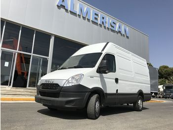 Koffer transporter IVECO DAILY 35S15. FURGON 12m3. COLOR BLANCO