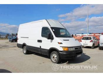 Koffer transporter Iveco 35C10 Daily