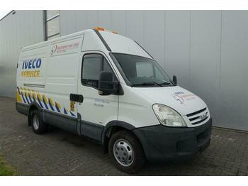 Koffer transporter Iveco DAILY 35C18 HPI 4X2 SERVICE VAN EURO 3