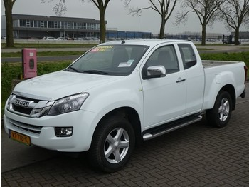 Isuzu D-max 2.5D ext.cab. ls 4wd, aut - Pick-up
