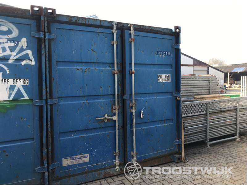 Container — 3618825