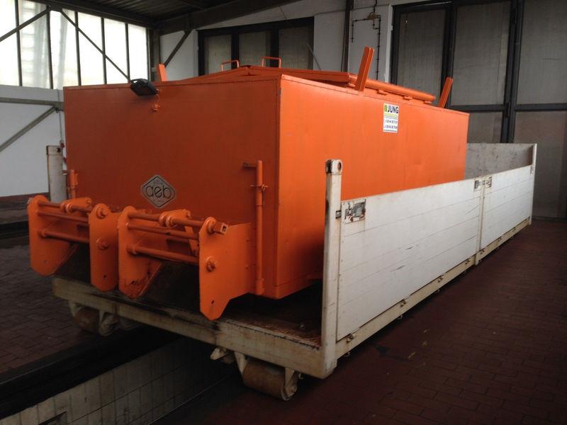 Asphalt Thermocontainer auf Abrollplattform Container — 2605220